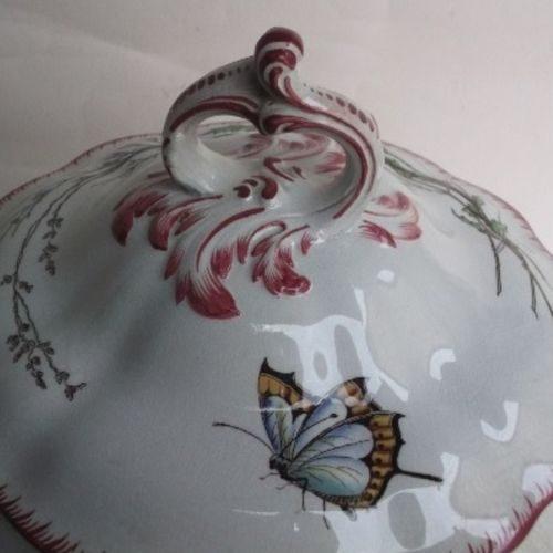 Détail d'une faïence Papillon - Faïencerie Utzschneider
